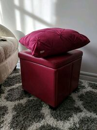 Cube storage ottoman and pillow  Laval, H7W 0H2