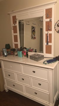 White wooden dresser with mirror Panama City, 32404