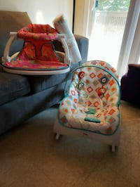 Sit me up pamper diapers  bouncer/rocker Stockton, 95205