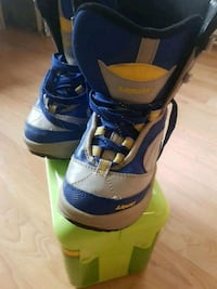 Youth snowboard boots. Size 1 West Kelowna, V4T 2M3