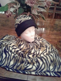 zebra painted knitted cap and scarf Washington, 20019