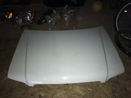 2004 Subaru Forester Hood white in Excellent Condition