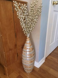 Cool ceramic vase and decorate branches Barrie, L4M 4M7