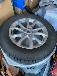 "17"" Pirelli ice zero tires on aluminium alloy wheels"
