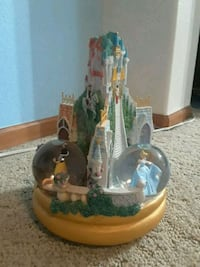 Snow White, Cinderella, sleeping beauty snow globe Colorado Springs, 80920