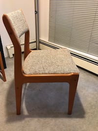 Midcentury modern chair very solid dovetail joints Vancouver, V6R 3C3
