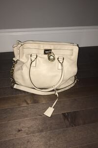Authentic Michael kors purse  Windsor, N8P 0B8