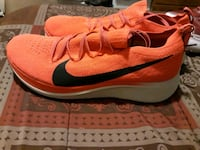 Running Mens Sneakers size 11.5
