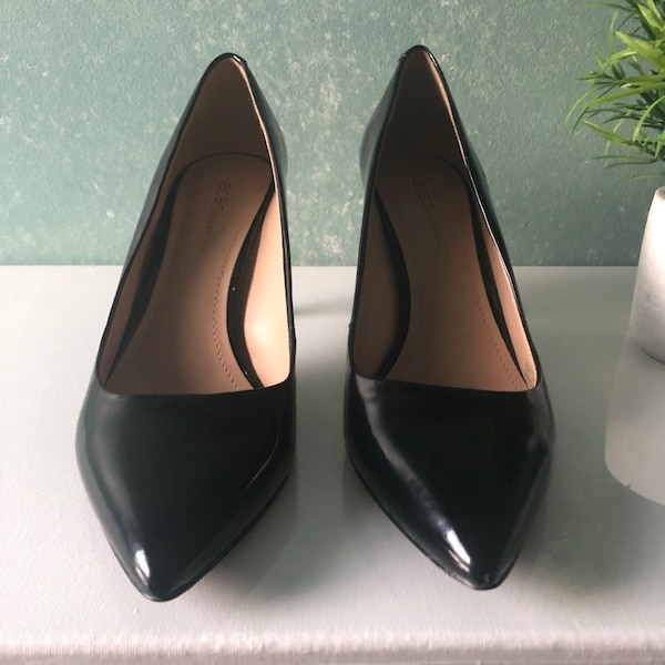 BCBG black patent heels great condition.