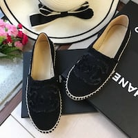 pair of black slip-on shoes with box Los Angeles, 91403
