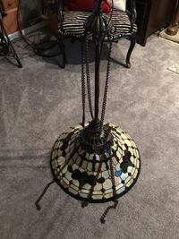 Hanging Tiffany style light, great for dining room or over a pool table Skippack, 19438