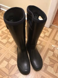 USED WOMENS WINTER BOGS Mississauga, L5E 2A6