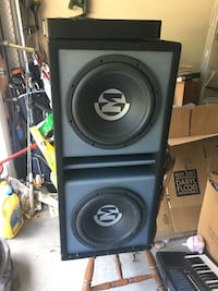 """Memphis PR 12"""" subwoofers w amplifiers 1600 w and 1200 w amps"""