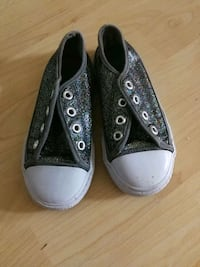 pair of gray Converse low-top sneakers Winnipeg, R2J 1A6