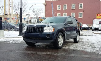 2005 Jeep Grand Cherokee Laredo - Low KM