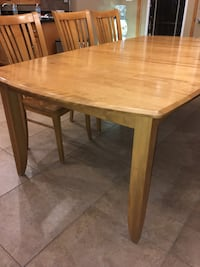 Rectangular brown wooden dining table Orland Park, 60462
