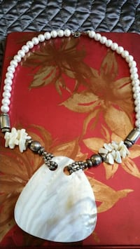 Mother of pearl  statement neclace  with pearls Oshawa, L1K 0B9