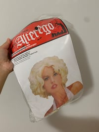Marilyn Monroe white dress with wig