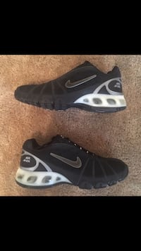 pair of black-and-white Nike running shoes Gaithersburg, 20878
