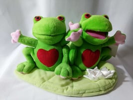 Singing Dancing BRAND NEW FROGS plush toy