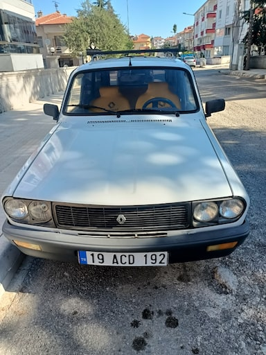 1992 Renault 12 77a327ee-f0e4-497a-8617-5d60746ae456