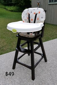 Summer Infant Wood Highchair *Delivery Available* Hamilton, L9H 5N7