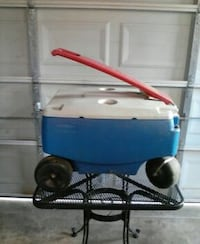 Rolling cooler null