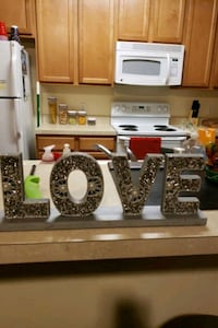 Love house decor College Park, 20740
