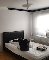 BLACK BED QUEEN SIZE (LEATHER LOOK) Montreal, H8R 2M1