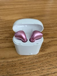 Wireless Bluetooth earbuds for all iPhones and all android phones Virginia Beach, 23455