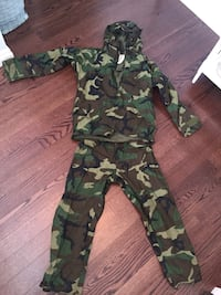 Military Camo Rain Jacket and Pants size Medium  Whitchurch-Stouffville, L4A 5A4