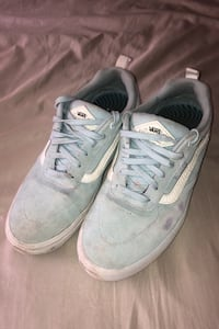 Kyle walker 9.5 light blue qlty. 7/10 bought them for $95 Alexandria, 22306