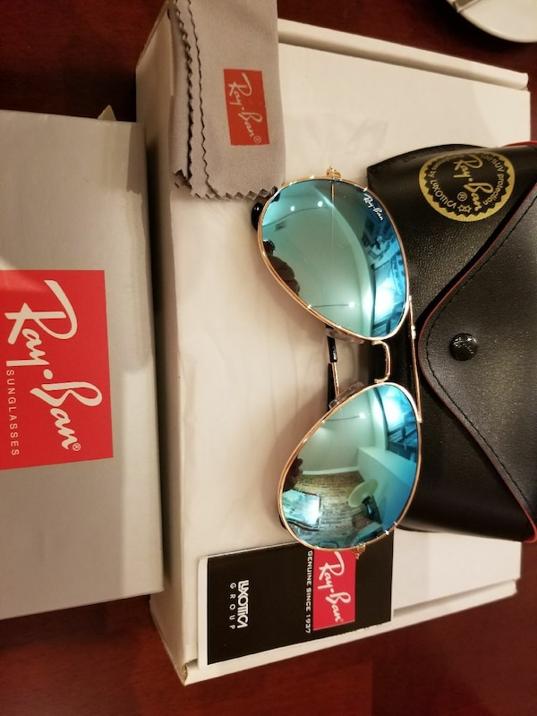 3301a9fbba Used blue RayBan Aviator sunglasses with black leather case for sale in  Brooklyn - letgo