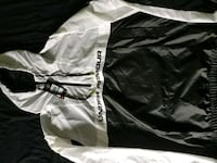 SIZE-XL / Under Armor Spring/Running Jacket Toronto, M3K 1X5