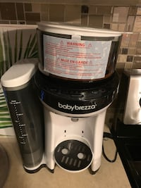 Baby Breeza Formula machine excellent condition Ajax, L1Z 0J8