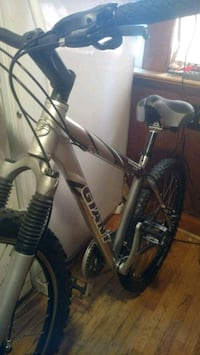 black and gray hardtail mountain bike Mississauga, L5E 1E3