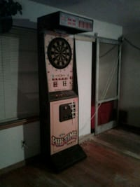 Pub time dart board machine