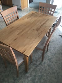 Brown dining set Coquitlam, V3J 4Z2