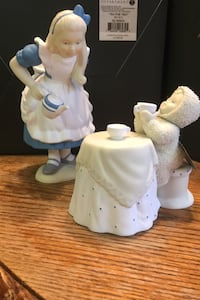 """Snowbabies, The Guest Collection, Alice In Wonderland """"Tea For Two"""" Quinton, 23141"""