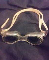 New tinted speedo swimming goggles Chicago, 60626