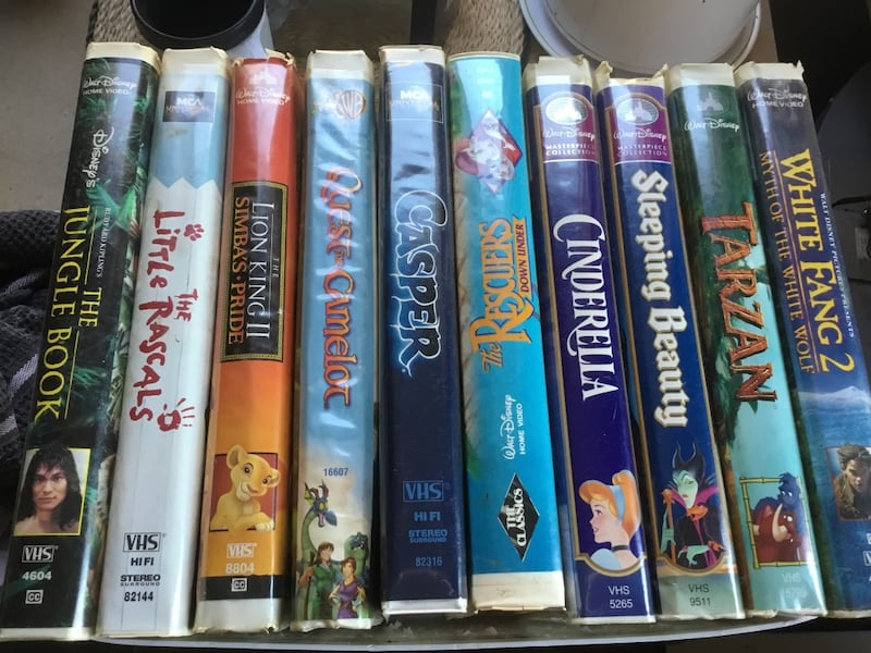 VINTAGE DISNEY CLAM SHELL VHS MOVIES. GOOD SHAPE. PRICED FOR EACH. 0