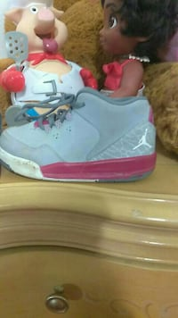 pair of gray Air Jordan basketball shoes El Paso, 79924