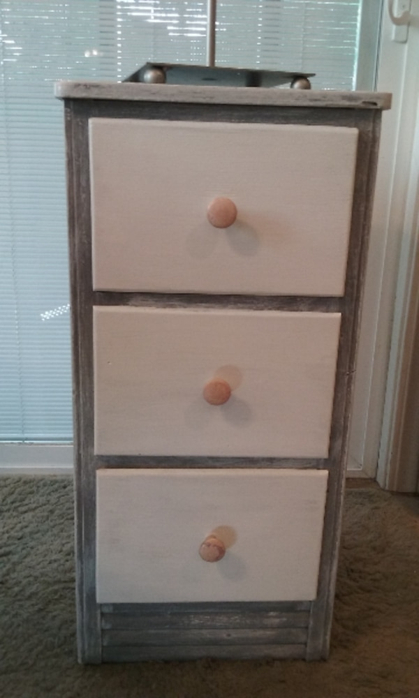 slate gray 3 white shelves cabinet (sculpture not included)
