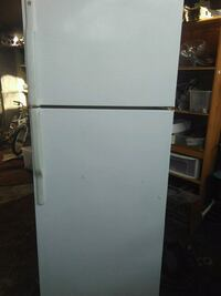 Kenmore top and bottom frige Bakersfield, 93307