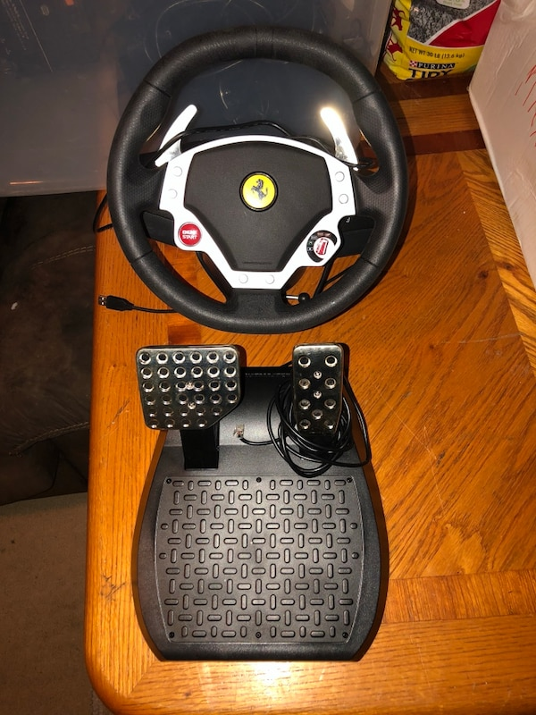 Thrust master steering wheel and pedals for pc and Xbox