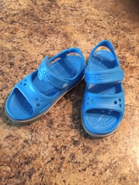 New crocs sandals - size 10 Palos Hills, 60465