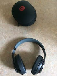 Beats by Dr.dre studio 2 * NEGOTIABLE*  Westmount, H3Y 2V4