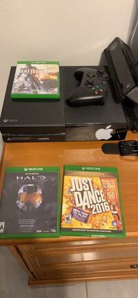 black Xbox One console with controller and game cases Edinburg, 78542