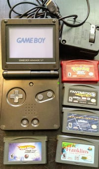 Game Boy set + 5 games! Pokemon, Spiderman, more! New Westminster, V3M 3Y3