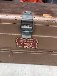 Metal vintage ice chest